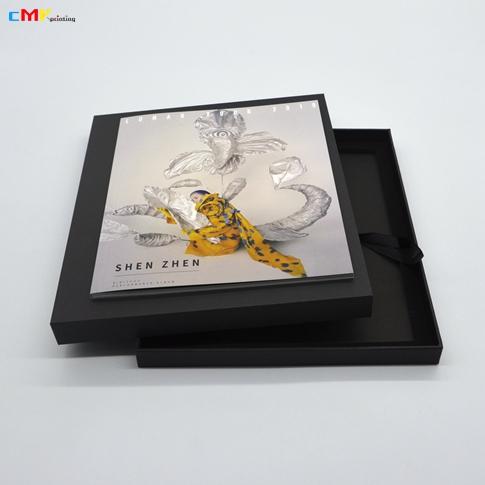 周笔畅2019LUNAR巡回演唱会-深圳站 纪念画册盒装